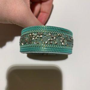 Jewelry - Thick bracelet